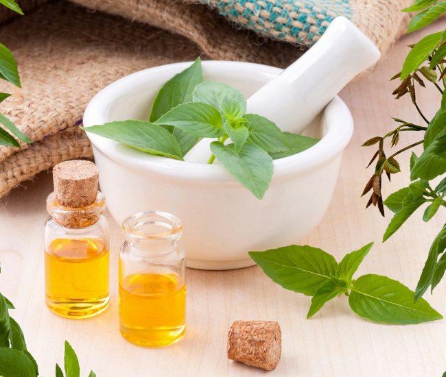 essential-oils-3456303_1920